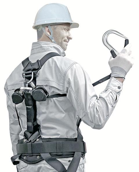 ランヤードを軽量化、兼用化、着脱式にして作業者負担を軽減します