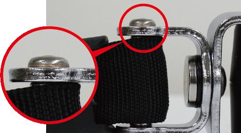 良品:リベットが球面形状に両側潰れている